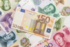 Euro bankbiljetten en Yuan Royalty-vrije Stock Foto's