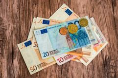 Euro banknoty i euro monety Obrazy Royalty Free