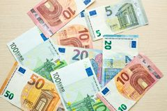 Euro banknoty na stole obrazy royalty free