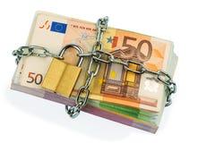 Euro banknoty z łańcuchem i kłódką Obrazy Stock
