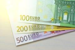 Euro Billetes de banco de papel del euro de diversas denominaciones - 100, Imágenes de archivo libres de regalías