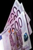 500 euro billets de banque dans une rangée Photos stock