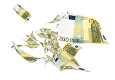 Euro billets de banque de la mouche deux cents Image libre de droits