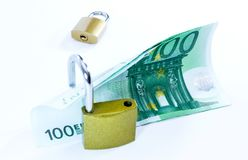 Euro billets de banque de valeur d'argent avec le cadenas, syst?me de paiement d'Union europ?enne photos libres de droits
