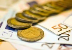 Euro- centavos e notas de banco Fotografia de Stock