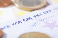 Euro close-up op Duitse EZB-afkorting Stock Foto