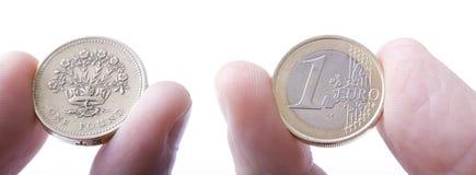 Euro contro il confronto della libbra Fotografie Stock