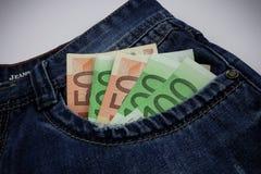 Euro dans des jeans Photos libres de droits