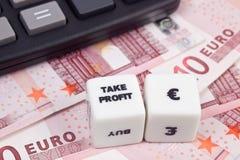 Euro del beneficio de la toma Imágenes de archivo libres de regalías