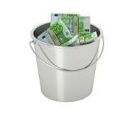 100 euro die bankbiljetten in een emmer - op wit wordt geïsoleerd Stock Foto's