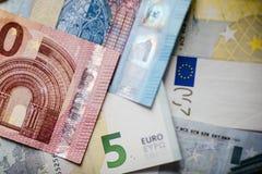 Euro- dinheiro euro- fundo do dinheiro Euro- notas com reflexão Imagem de Stock Royalty Free