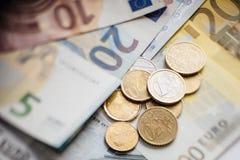 Euro- dinheiro euro- fundo do dinheiro Euro- notas com reflexão Foto de Stock Royalty Free