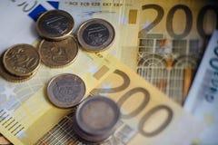 Euro- dinheiro euro- fundo do dinheiro Euro- notas com reflexão Imagem de Stock