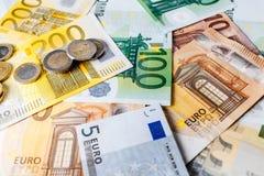 Euro- dinheiro euro- fundo do dinheiro Euro- notas com reflexão Imagens de Stock