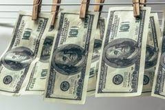 euro do czyszczenia pierze forsę do mycia Pieniężny przestępstwa pojęcie Obrazy Royalty Free