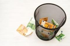 Euro do dinheiro no escaninho foto de stock royalty free