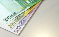 Euro Document bankbiljetten van euro van verschillende benamingen - 100, Royalty-vrije Stock Afbeelding