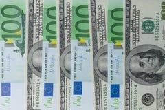 Euro e cédula do dólar americano para o fundo Fotografia de Stock