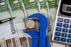 euro e dólar contra o rublo Bandeira Imagens de Stock Royalty Free