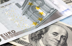 Euro e dólares das notas de banco Imagens de Stock Royalty Free