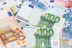 Euro (EUR) Banknoten - gesetzliches Zahlungsmittel der Europäischen Gemeinschaft Stockfotos