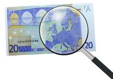 Euro, Europa unter Vergrößerungsglas Stockfoto