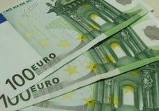 euro för 100 sedlar Arkivfoton
