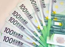 euro för 100 sedlar Arkivbild