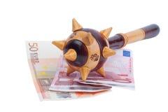 Euro factures avec le macis au-dessus de elles Photographie stock