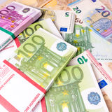 Euro geldbankbiljetten De stapel van het eurogeld Achtergrond met euro m Stock Foto's