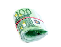 Euro gerolltes Isolat 100 Lizenzfreie Stockbilder