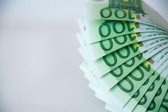 Euro isolado no branco com trajeto de grampeamento Imagens de Stock
