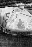 Euro in jeanszak in zwart-wit kleur Royalty-vrije Stock Foto's
