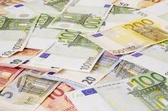 Euro-maney von verschiedenen Bezeichnungen stockfotos