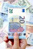 Euro 20 a mano Fotografía de archivo