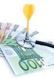 Euro mit Stethoskop und Pfeilen Lizenzfreies Stockfoto