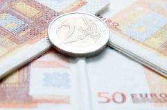 Euro- moedas e contas Imagens de Stock Royalty Free