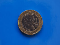 1 euro moneta, Unione Europea, Austria sopra il blu Fotografia Stock