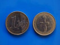 1 euro moneta, Unione Europea, Cipro sopra il blu Immagine Stock Libera da Diritti