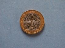 1 euro moneta, Unione Europea, Francia sopra il blu Fotografia Stock Libera da Diritti