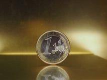 1 euro moneta, Unione Europea sopra il fondo dell'oro Immagini Stock Libere da Diritti