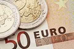Euro monete e fatture Fotografie Stock