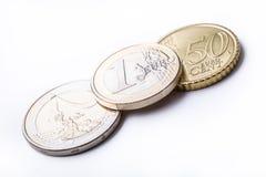 Euro monete Euro soldi Euro valuta Monete impilate su a vicenda nelle posizioni differenti Fotografie Stock