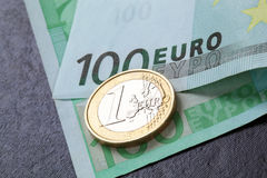 Euro muntstuk en bankbiljet Royalty-vrije Stock Foto's