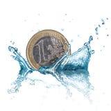 Euro muntstuk met waterplons Stock Foto