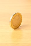 Euro muntstuk op hout Royalty-vrije Stock Fotografie