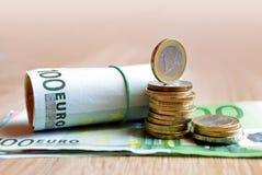 Euro muntstukken en bankbiljet Royalty-vrije Stock Afbeelding