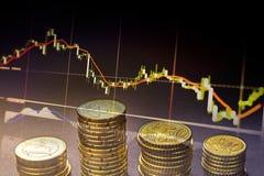 Euro muntstukken en centen op zwarte achtergrond Stock Fotografie