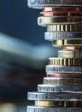 Euro muntstukken Euro geld Euro munt Muntstukken op elkaar in verschillende posities worden gestapeld die Royalty-vrije Stock Afbeelding