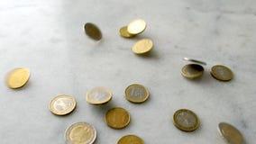 Euro muntstukken, Europese Unie geldmunt stock videobeelden